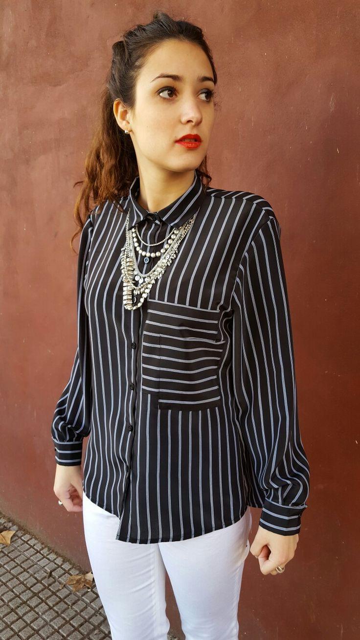Outfit de Si chiama Paolina Camisa Antonella  $470