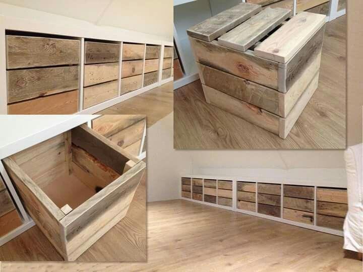 Zolder idee met Ikea kasten en zelfgemaakte bakken met viltjes eronder.