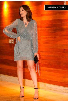 97a9b51c6b Vestido curto lurex com decote transpassado e manga longa com fenda. Vestido  curto