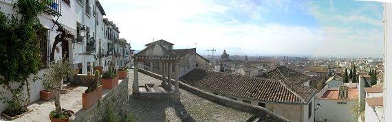e voy a contar algo del barrio del Realejo, la antigua judería de Granada. Todo, en la idea de bajes a Granada a descubrirlo por ti mismo. http://www.guias.travel/blog/un-viaje-al-realejo-granaino-a-hombros-de-chismes-y-leyendas/ & http://www.hotelesengranada.es/