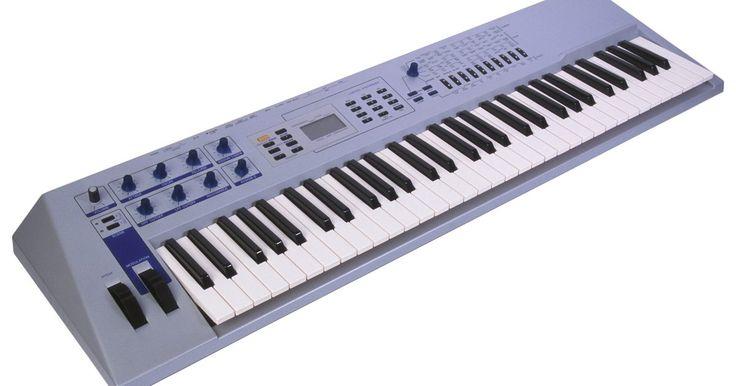 Cómo usar un teclado MIDI con el GarageBand de Apple. GarageBand es una aplicación de una completa estación de trabajo de audio digital (DAW) que se incluye con todas las versiones de Mac de Apple, sistema operativo OS X. Puedes grabar y editar datos de audio y MIDI en una variedad de formas, siendo más fácil de usar que los entornos DAW profesionales, tales como Apple Logic o Pro Tools de Avid. Por ...