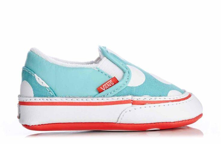 Super hippe meiden sneakertjes voor de aller-kleinste! Deze sneakertjes zijn voorzien van een coole print met dots maar zijn vooral opvallend door het te gekke kleur gebruik. Met deze mini sneakertjes steelt jouw prinsesje zeker de show!
