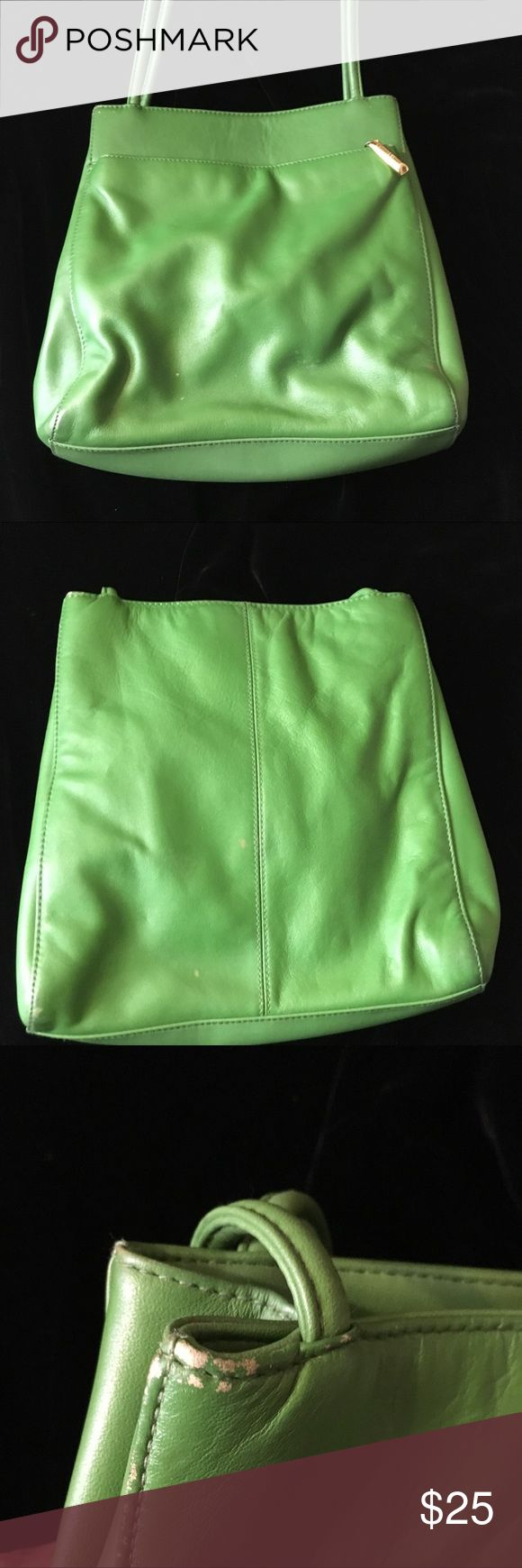 Giani Bernini Lime Green Shoulder Bag Giani Bernini Lime Green Shoulder Bag with magnetic closure. See photos. Giani Bernini Bags Shoulder Bags