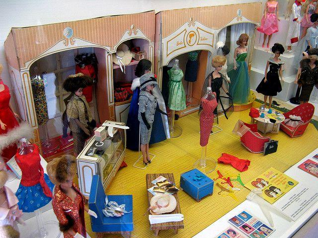Barbie's Fashion Shop, 1963