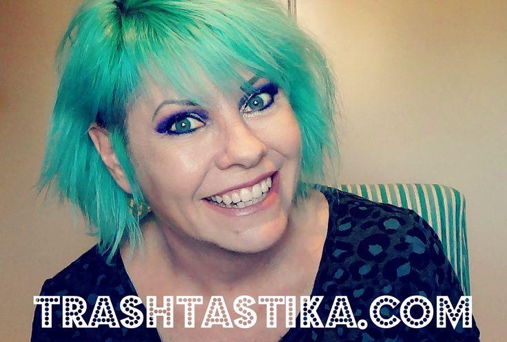 Aqua hair n purple eyeshadow..my go to combo