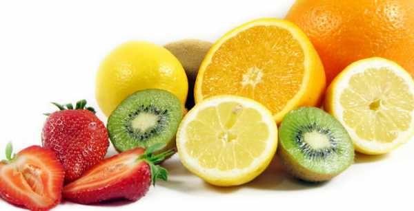 La carenza di vitamine nel mondo occidentale dovrebbe essere un ricordo ormai lontano, invece la mancanza nelle nostre diete di cibi integrali, frutta e verdura, a favore di cibi più lavorati può creare degli scompensi