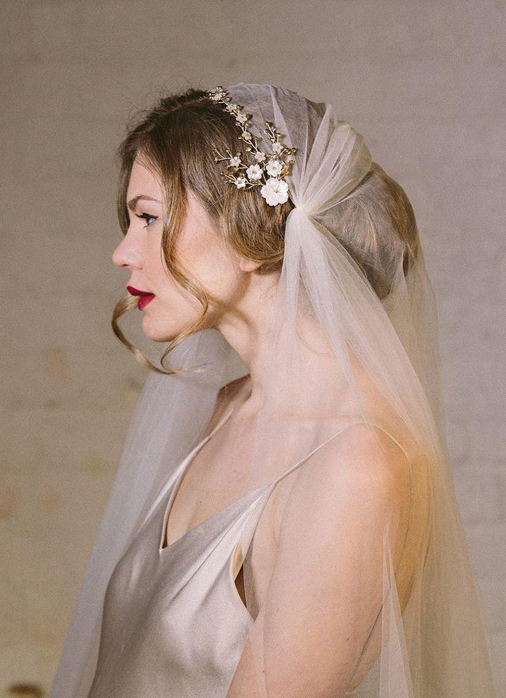 debbie carlisle, bridal accessories, vintage brooch bouquets