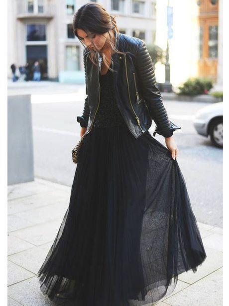 Pour sortir le grand jeu, pas besoin de vous parer de doré des pieds à la tête.    Une belle robe longue, et à vous l'allure de...