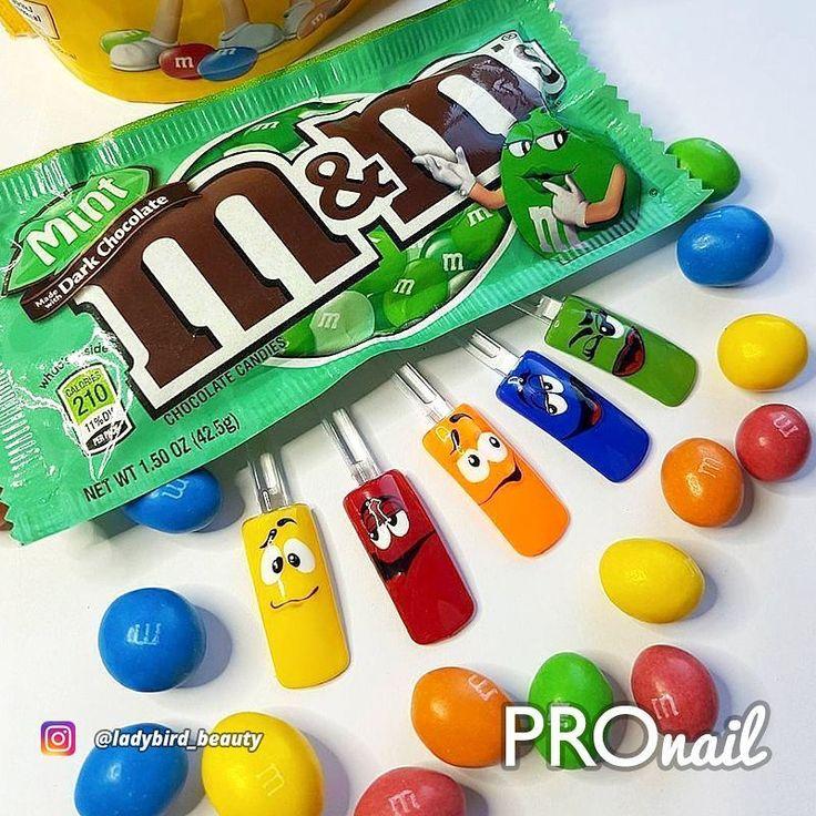 Kto zje M&M'S?  Małgosia Siwek ( @ladybird_beauty )  doskonale się bawi tworząc ...