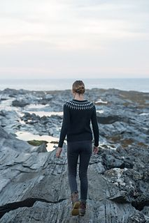 lighthouse pullover by carrie bostick hoge / in quince & co lark / published in swoon maine, by madder