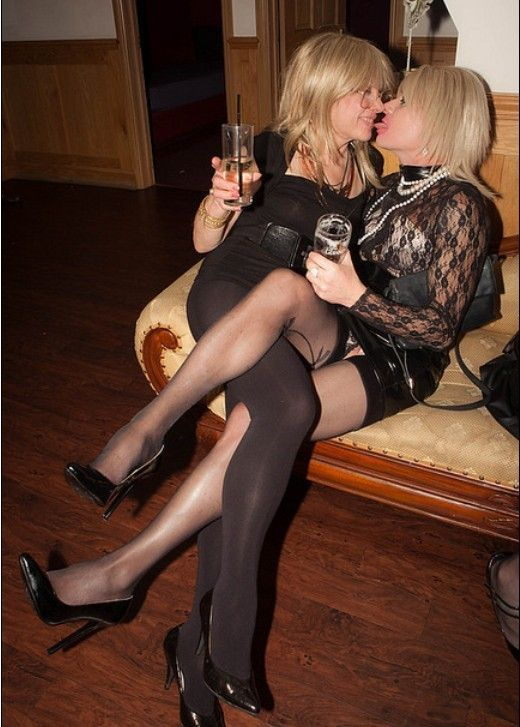 mature ladies in tights