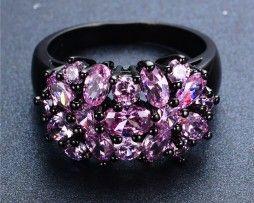 Luxusný dámsky prsteň zo zliatiny tmavého zlata so zirkónmi