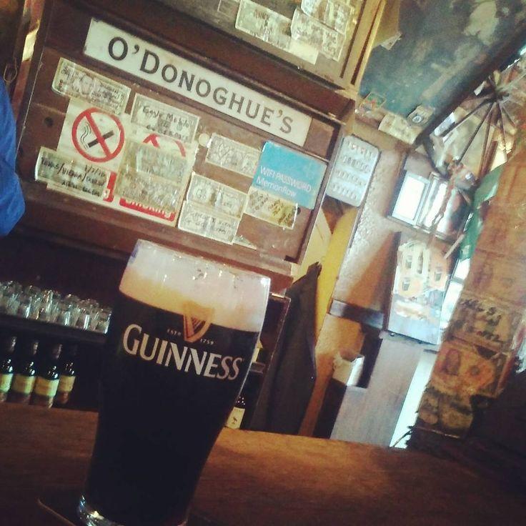 Yer only man!  #odonoghues #dublin #ronniedrew #thedubliners #barfly #pub #dublinpubs #merrionrow #visitdublin #beer #stout #guinnessisgoodforyou #guinness #theblackstuff #yeronlyman #pints #bar #pintofplain #drinksoftheworld #slainte #dublin #weekend #tgif #pint #booze #ireland🍀 #guinnesstime #odonoghuespub