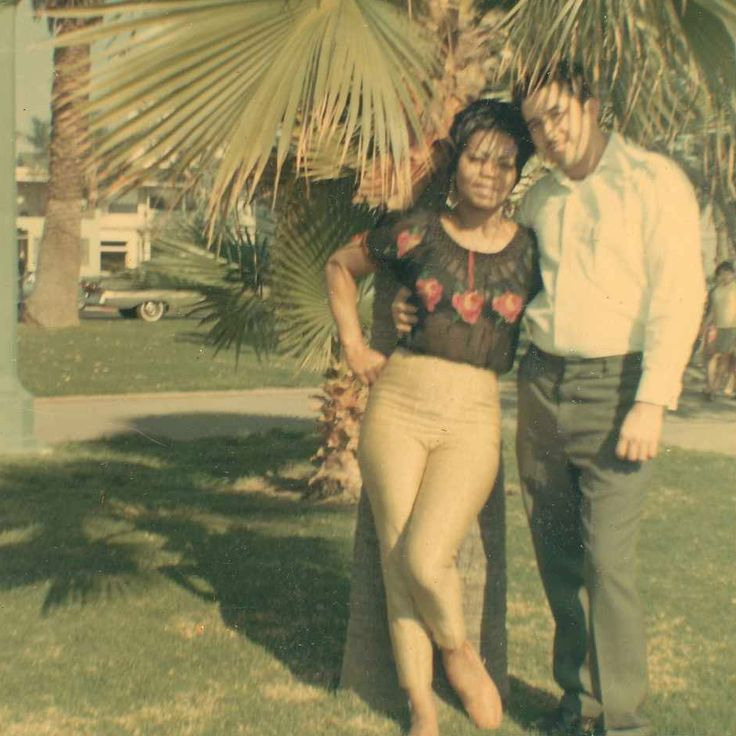 INTERRACIAL COUPLE AFRICAN AMERICAN & LATINO LOS ANGELES 1960s ILLYA…