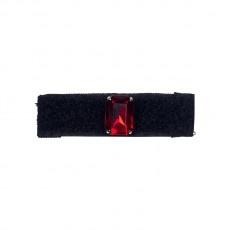 Anello in velcro nero foderato in gros grain con pietra rettangolare rubino con castone riposizionabile
