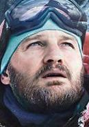 Jason Clarke as Rob Hall in the Everest movie. See more pics here: http://www.historyvshollywood.com/reelfaces/everest/