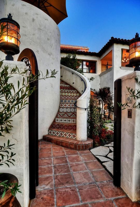 Spanish Style Villa } Love the staircase