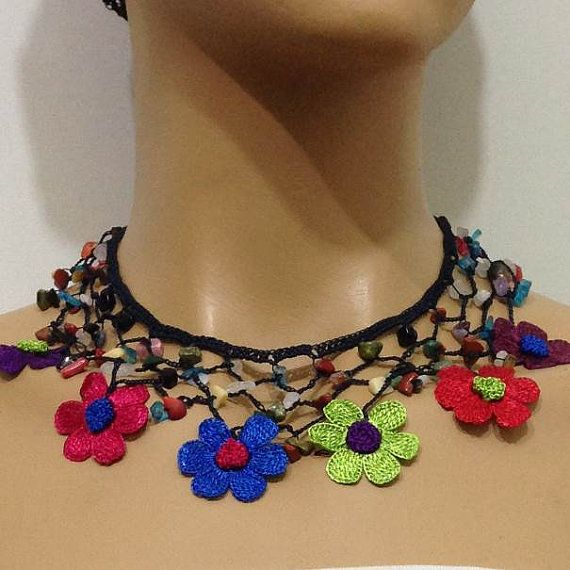 Multi-color Daisy Choker Necklace with Crocheted by istanbuloya