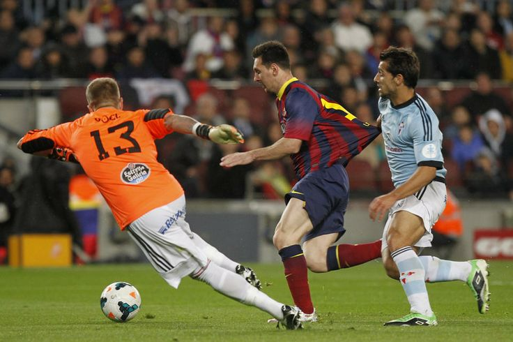 Messi anota su gol tras regatear al portero