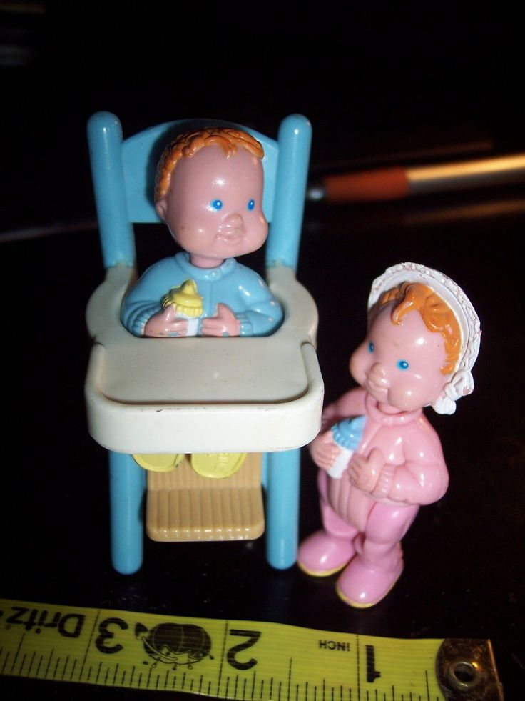 "DOLLHOUSE SIZE BABY GIRL/BOY 2.5 inch & BLUE 3 1/4""HIGHCHAIR F-P INC. 1990's 