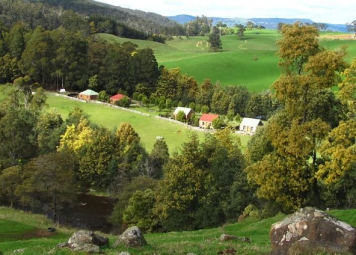 Tin Dragon Trail Cottages, Tasmania | LoveBirds: Romantic Getaways and Honeymoons for Two