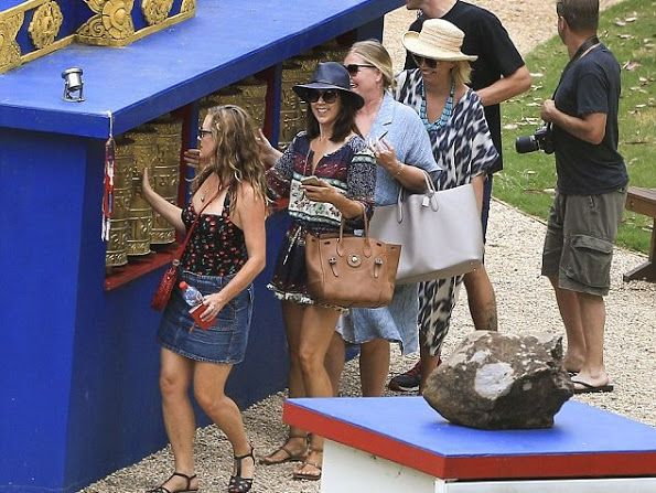 NewMyRoyals: Danish Crown Princely Family in Australia, December 2015-Crown Princess Mary and friends visited Crystal Castle and Shambhala Gardens, Byron Bay