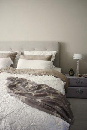 25 beste idee n over hoofdeinde verlichting op pinterest houten bedden schuur houten - Eenvoudig slaapkamer model ...