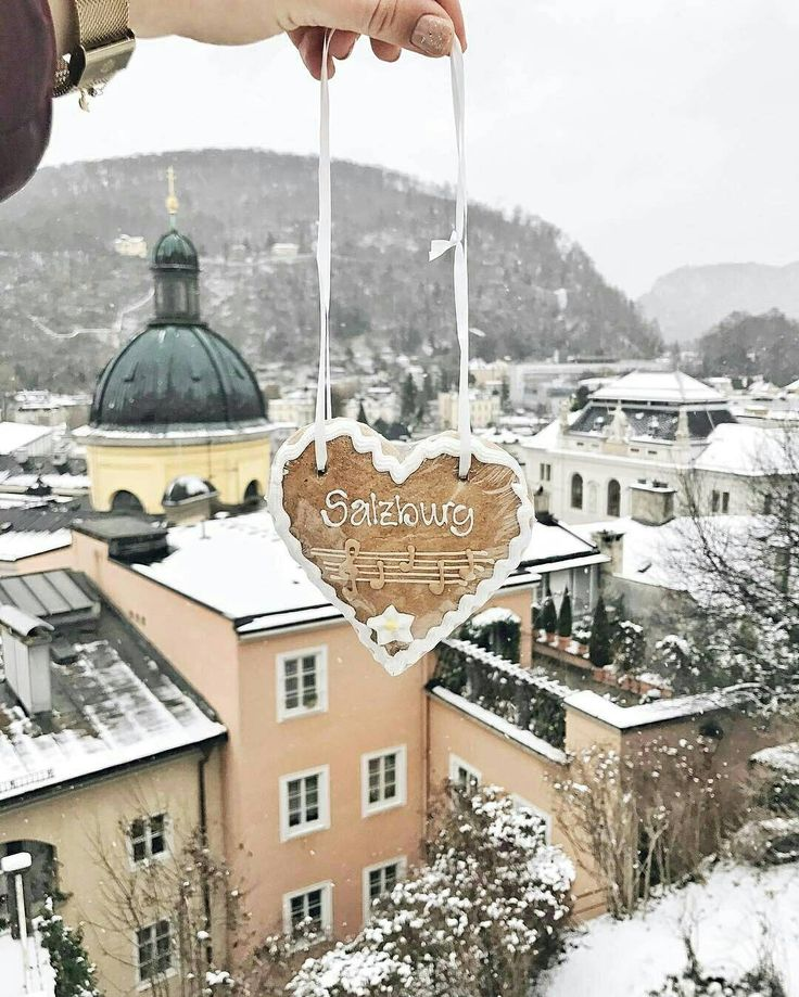@sonchicc lost her heart in snowy Salzburg - and how about you? Happy Friday! #visitsalzburg #salzburg #salisburgo #salzburgo #cityscape #winter #winter2017 #snow #neverstopexploring #visitaustria #feelaustria #bestvacations #igersaustria #living_europe #awesomeearth #exploretocreate #explore_earth #earthgram #earthofficial