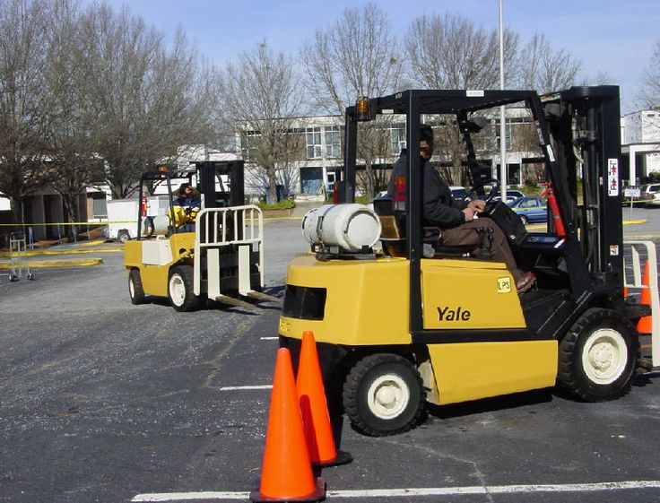 http://dobryszkoleniowiec.uchwycone-chwile.pl/wozek-widlowy-czynnosci-przed-przystapieniem-do-pracy/   Co operator wózków powinien wiedzieć zanim przystąpi do pracy?