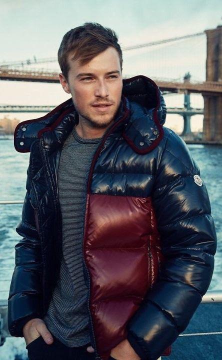 Moncler longue saison taglia 1 Down jacket Size: EU 42 (IT 46 ESFR 42 DENL 40) Catawiki