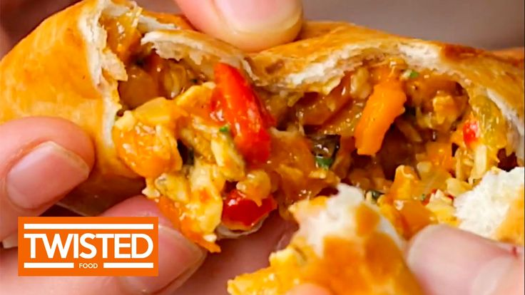 Chicken Fajita Triangles Delicious Chicken Fajita Triangles in only a few easy steps! These pockets are bursting with flavor and will please everyone at the table! https://www.youtube.com/watch?v=9j92UINGKEk