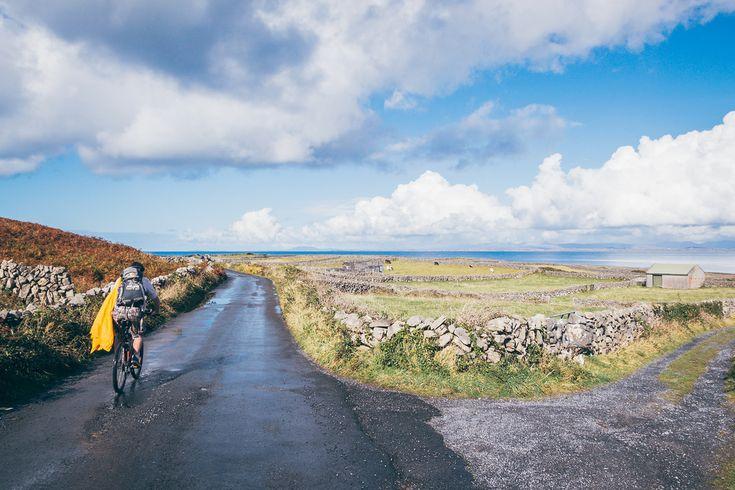 Cycles around Ireland. Easy.