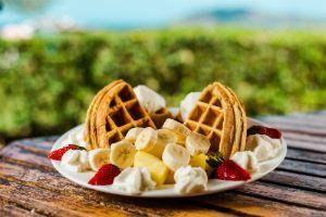 tamarindo-breakfast-restaurant-eat-at-joes-surf-diner