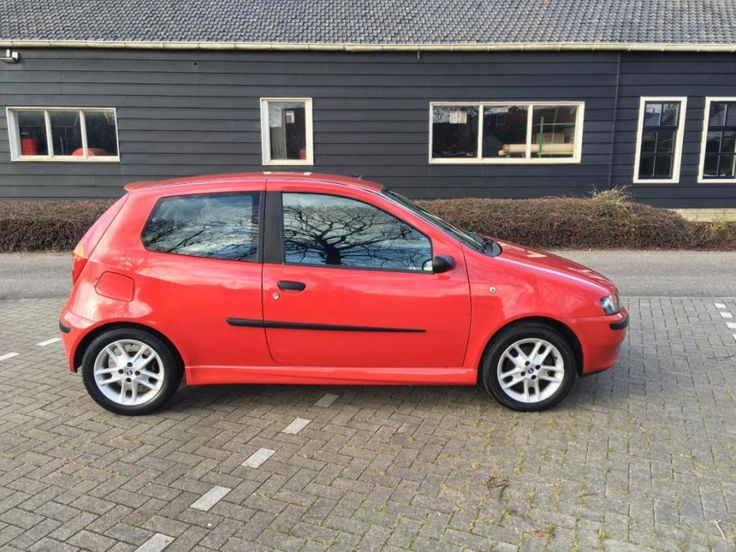 Nette Fiat Punto Sporting.  Wij bieden onze Fiat punto Sporting te koop aan wegens de aanschaf van een nieuwe auto.