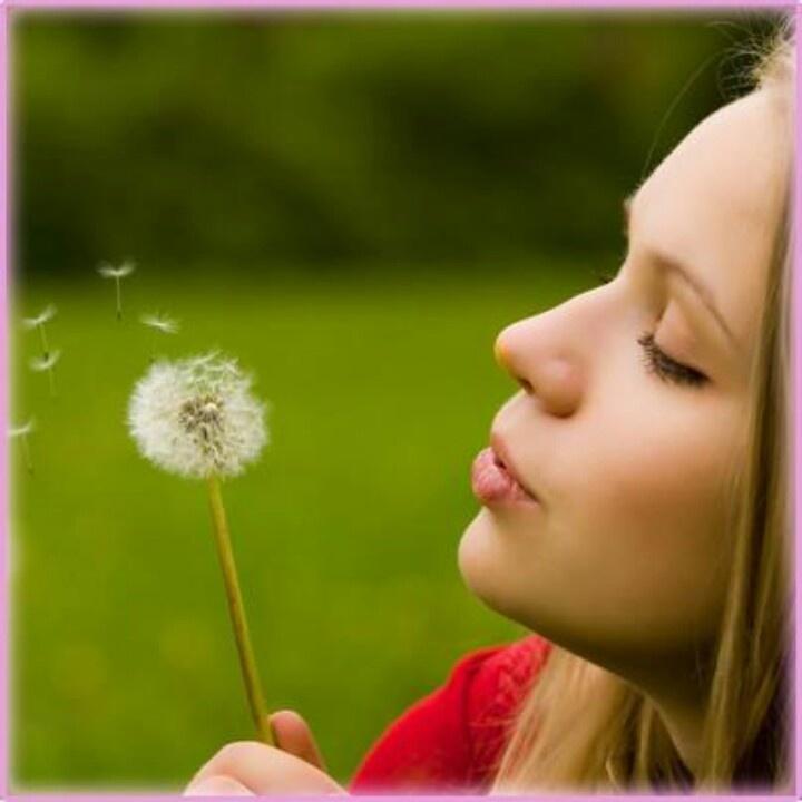 Reúne todo tus deseos y déjalos volar cuando menos  lo espere regresaran  a ti hechos realidad