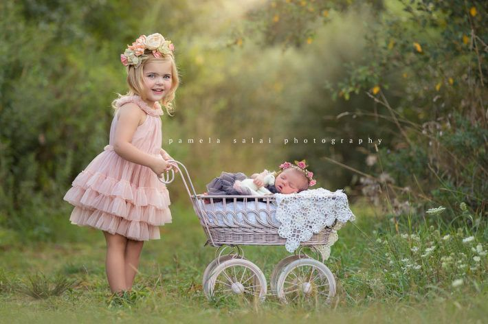 Check out the blog today for photographer tips and tools . Sibling poses . Unicorn . pamela-salai-photography outside newborn posing with sister