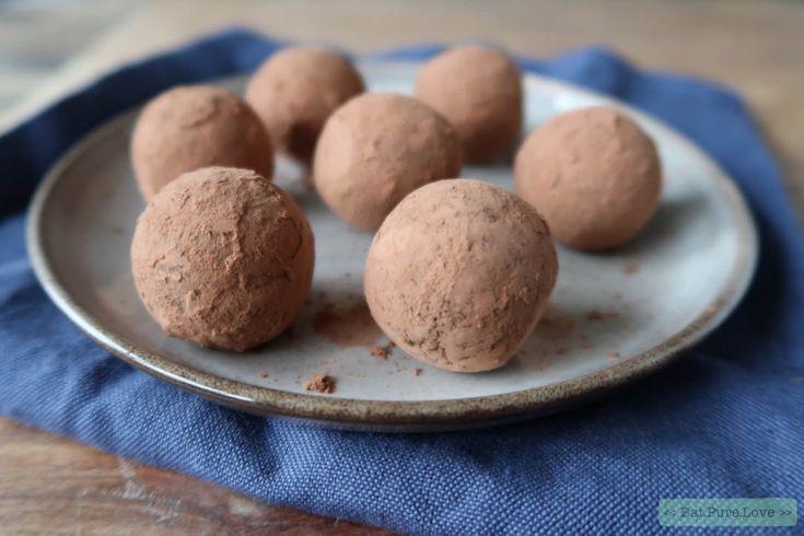 Dit recept voor pepernoten bliss balls maak je met slechts 6 ingrediënten, is ook nog eens binnen no time klaar en is een gezonde variant. Need I say more?