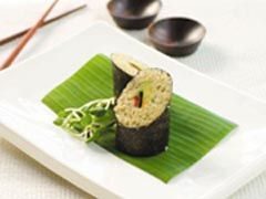Keen to try low-fat, organic cooking? Gwinganna Lifestyle Retreat's recipe for quinoa sushi is a treat.