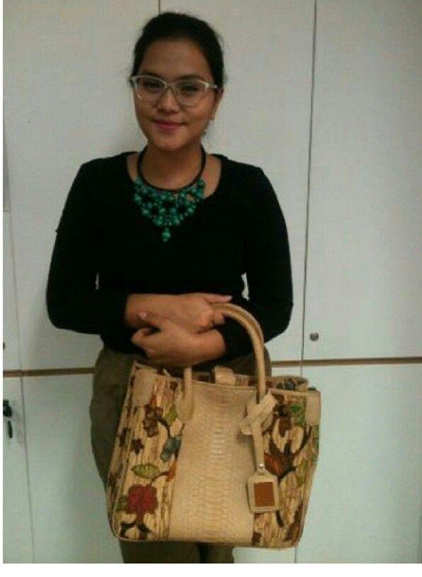My lovely cust with a lovely batik bag