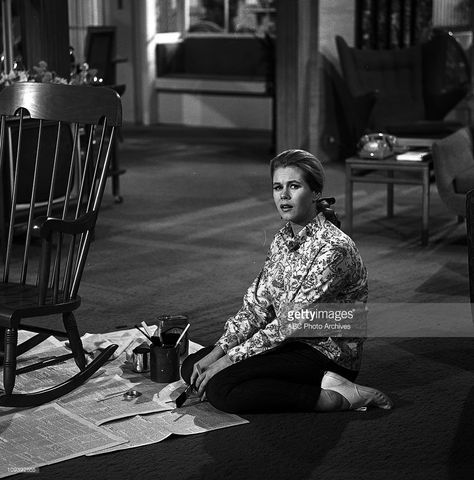 BEWITCHED - 'Follow That Witch - Part I' - Airdate: April 14, 1966. (Photo by ABC Photo Archives/ABC via Getty Images)ELIZABETH