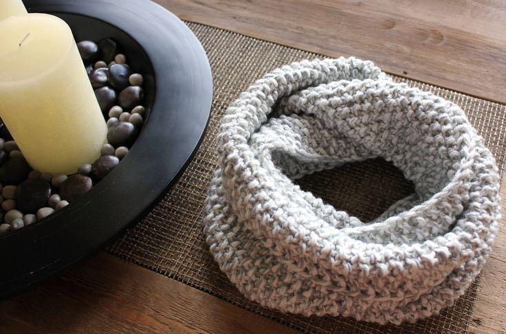 foulard infini tricot / infinity scarf / knit scarf / chunky infinity scarf / écharpe surdimensionné / knitted infinity scarf / chunky cowl de la boutique NiconiaCreations sur Etsy