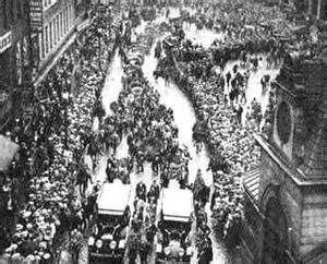 A Savigliano (Cn) il 13 maggio in prima mondiale assoluta il filmato inedito del funerale di Sacco e Vanzetti_______  Girata clandestinamente, perduta e ritrovata, la preziosa pellicola con le immagini delle esequie di Sacco & Vanzetti verrà proiettata martedì 13 maggio a Savigliano (Cn) in prima mondiale assoluta... http://ki.noblogs.org/a-savigliano-cn-il-13-maggio-in-prima-mondiale-assoluta-il-filmato-inedito-del-funerale-di-sacco-e-vanzetti/