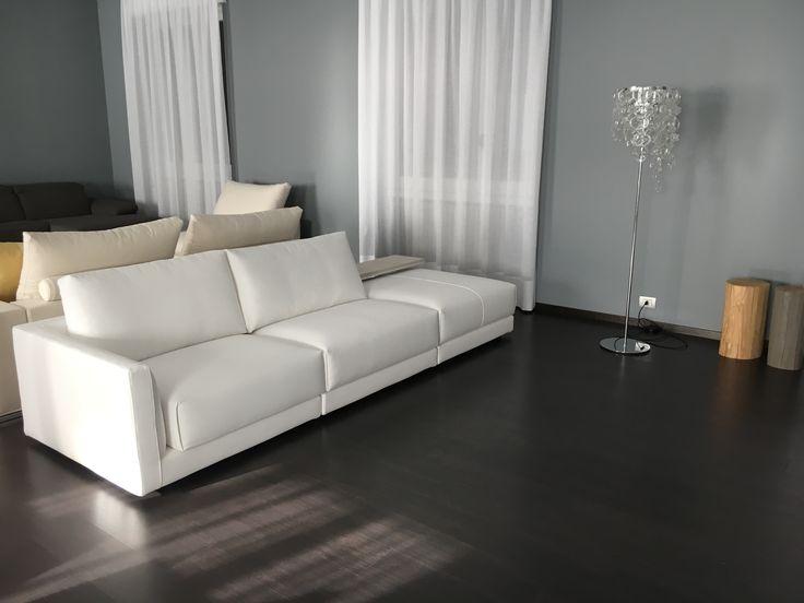Nuovo divano moderno Melbourne in tessuto sfoderabile in vendita da Tino Mariani a Lissone.