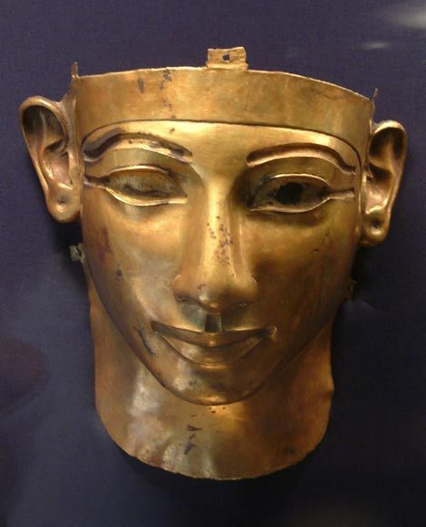 The solid gold death-mask of King Solomon. If the Tanis pharaohs were one and the same as the United Monarchy, then this is the image of King Solomon.