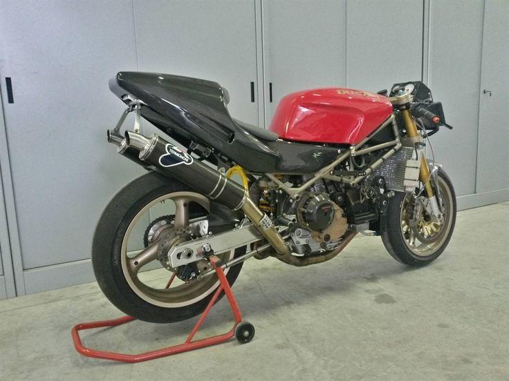 Ducati 888 racing