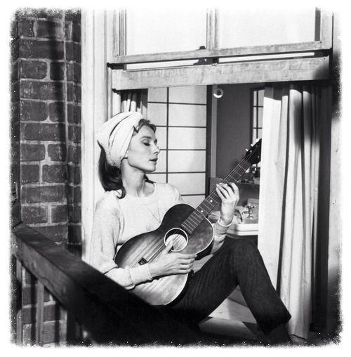 Audrey Hepburn / Diamants sur canapé