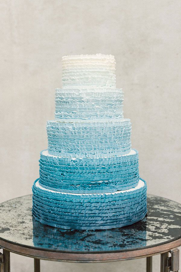 Blue Ombre Cake Images : 17 Best images about CAKES-Blue & Blue-ish on Pinterest ...