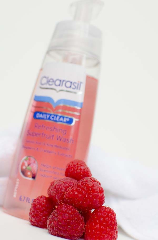 My struggle with clear skin as an adult and a product review of Clearasil Daily Clear Refreshing Superfruit Cleansers #SuperFruits #pmedia #ad