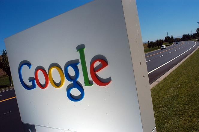 16 de julio de 2012: Google elimina su consejo en España  y lo sustituye por dos administradores.