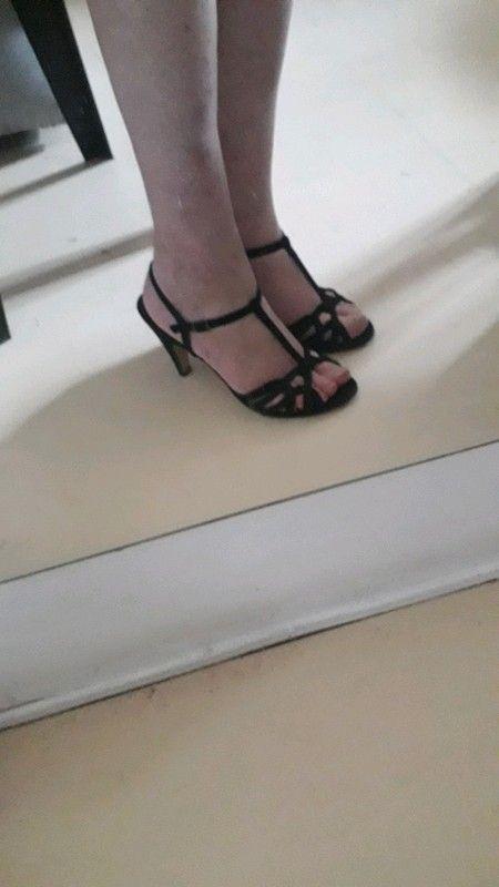 49975885c3 Sandales Minelli | articles vinted | Character shoes, Dance shoes et Legs